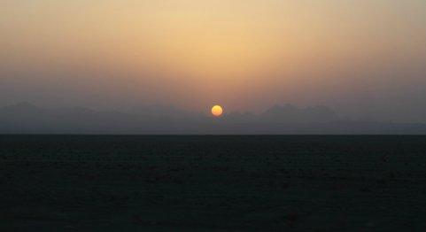 Zachód słońca nad Wielką Pustynią Słoną
